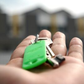 Jak sporządzić umowę sprzedaży nieruchomości?